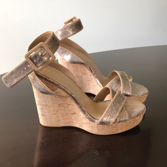 Stuart Weitzman Schuhes   Cracked Wedges Gold Leder 85m Wedges Cracked   Poshmark 07e439